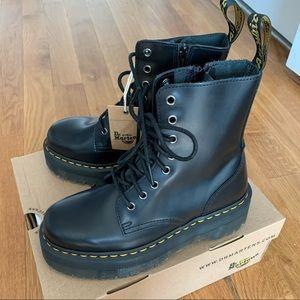 Dr Marten Platform Boots sz 8 ( JADON )